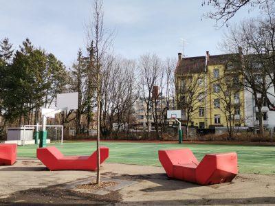 grüner Sportplatz