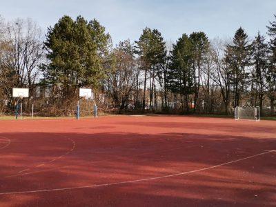 roter Sportplatz